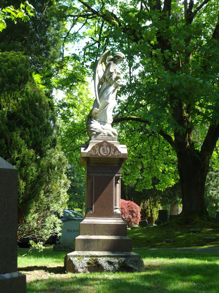 Bayview Cemetery, Bellingham, WA. Photo by Scarlett Messenger